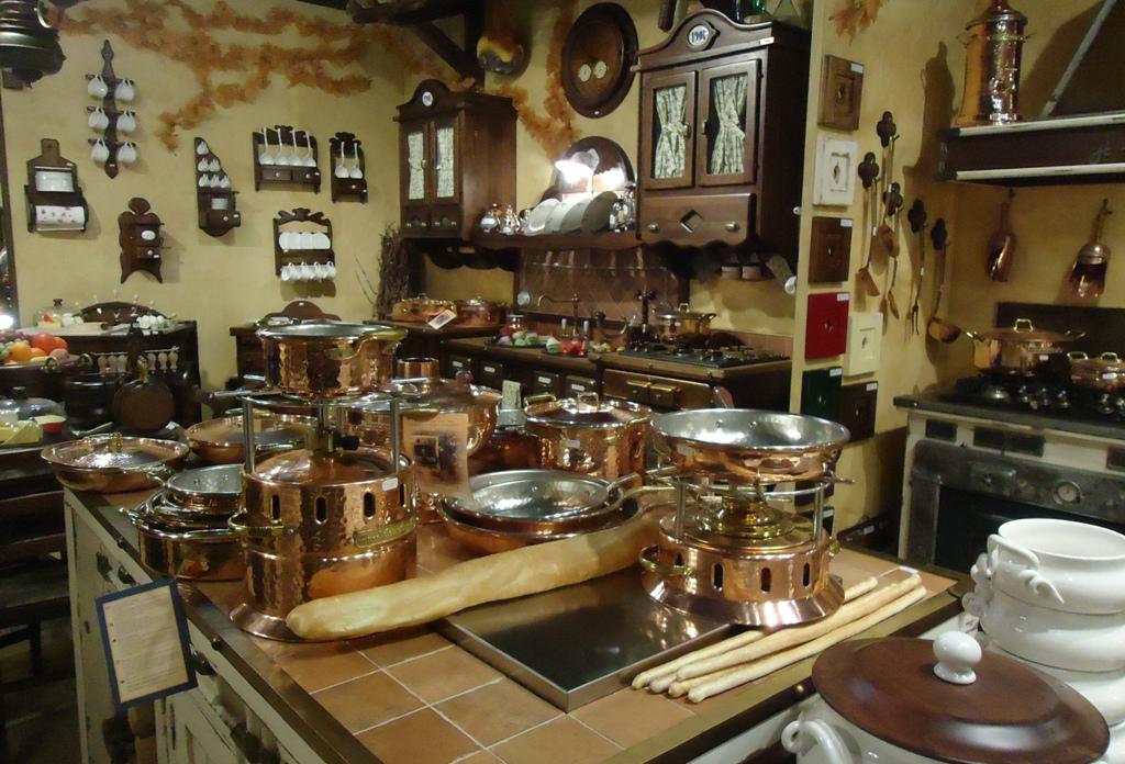 Cucine della nonna cucine della nonna al salone del for Fiera del mobile milano cucine